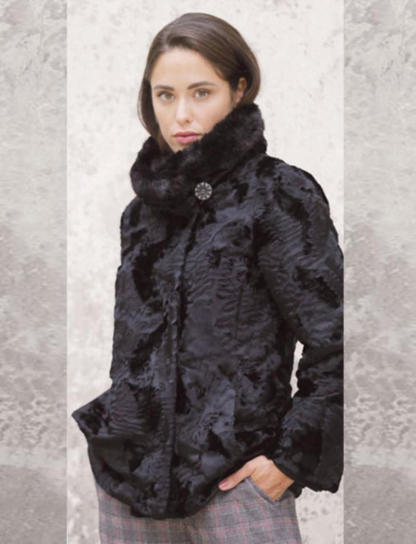 brand new 1562c f7aa5 Giaccone di pelliccia lavorato e vellutato con bottone gioiello -  ASUP9366507CIVETTA